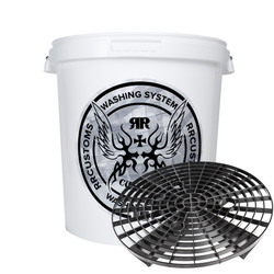 Detailing bucket with grit guard